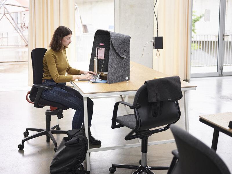 Fold-Up-Workspace